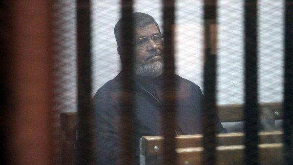 Mursi ye 20 dakika boyunca müdahale edilmedi