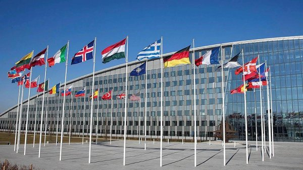 NATO Suriye yi görüşmek için olağanüstü toplanacak