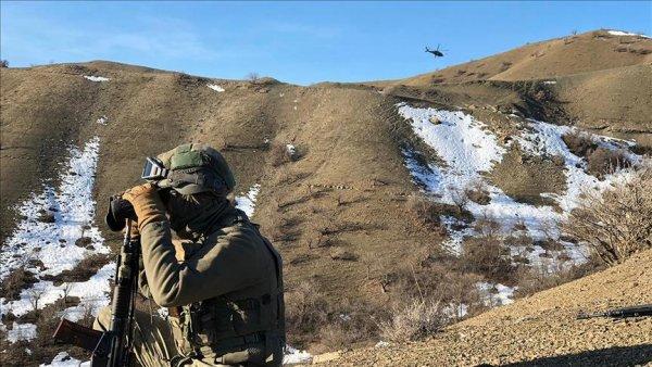 PKK lı teröristlere ait 6 barınak ve sığınak imha edildi