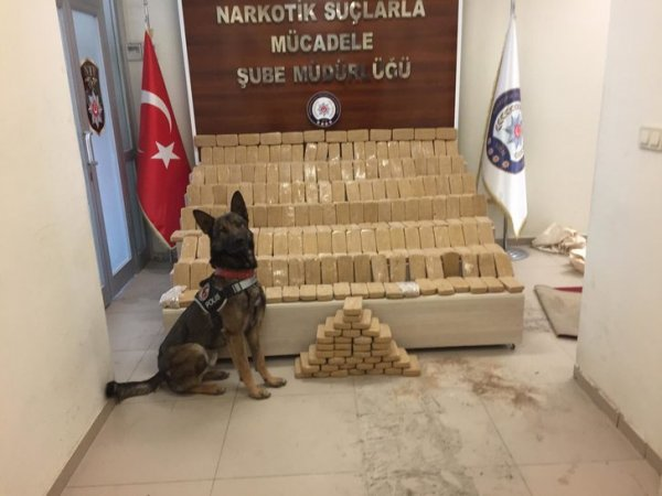 Rexo ile aramada kamyonette 155 kilo eroin ele geçirildi