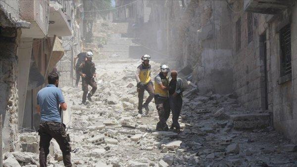 Rus savaş uçakları İdlib e saldırdı: 13 ölü