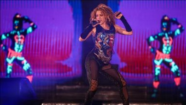 Shakira İstanbul da konser verdi
