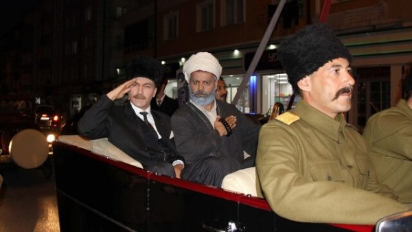 Sivas Kongresi nin 100 yılında Atatürk ün Sivas a gelişi canlandırıldı