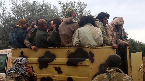 Suriyeli muhalifler çatışmalarda 400 DEAŞ lıyı esir aldı