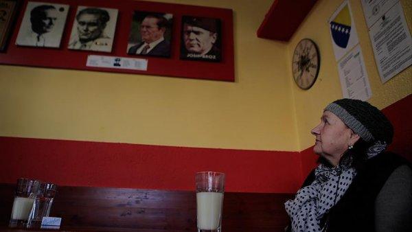 Tito fotoğrafları gölgesinde Osmanlı bozası