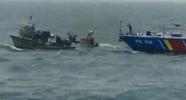 Türk balıkçı teknesine müdahalede yeni görüntüler