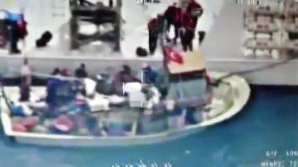Türk teknesine ateş açıldı