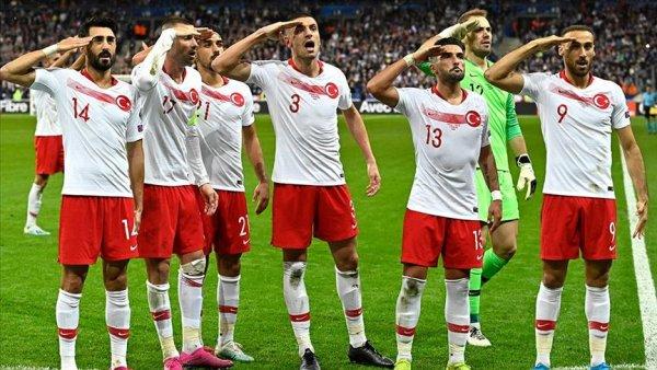 UEFA dan Millilerin asker selamına soruşturma