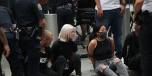 ABD de göçmenlik politikaları karşıtı protestoda 50 den fazla gözaltı