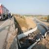 İzmir de düzensiz göçmenleri taşıyan kamyon devrildi: 19 ölü